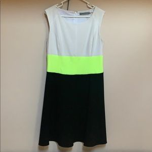 Beautiful color block dress brand new with belt